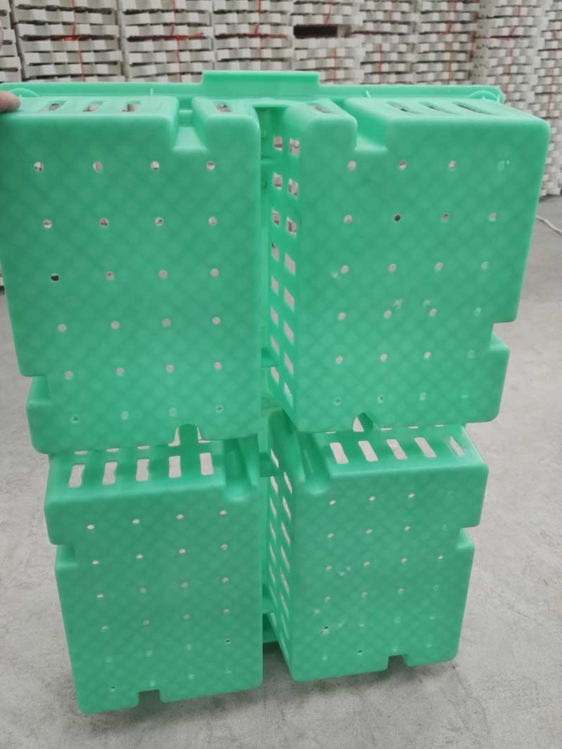small poultry transportation crate